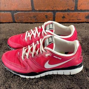 Nike Free Hyper TR White/Cherry Pink Size 10